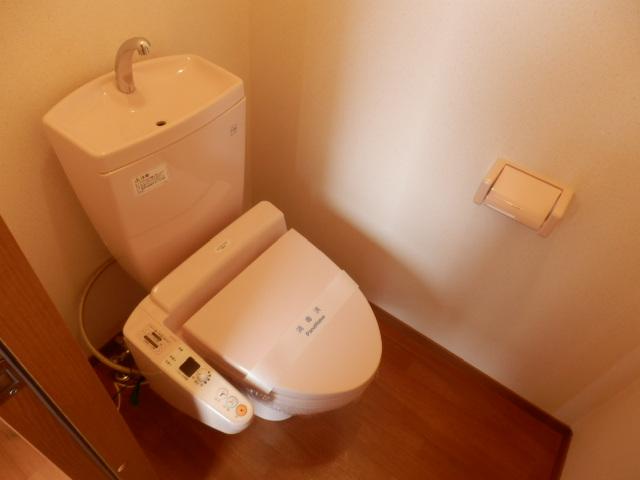 プレミール泉 203号室のトイレ