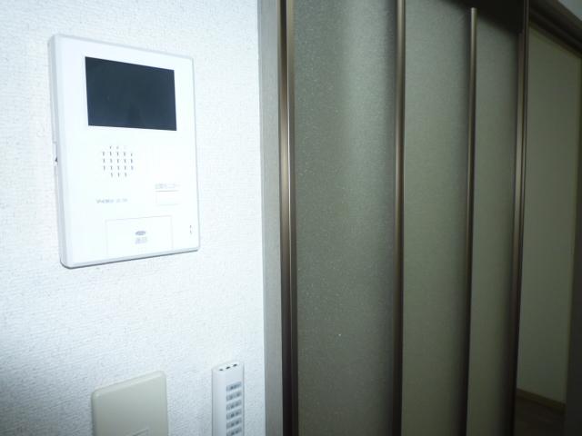 クレストD 102号室のセキュリティ