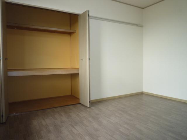 クレストD 102号室の収納