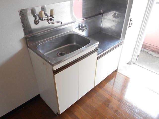 レモンホームすすきの 102号室のキッチン