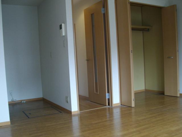 セレニティーホームズC 102号室の設備