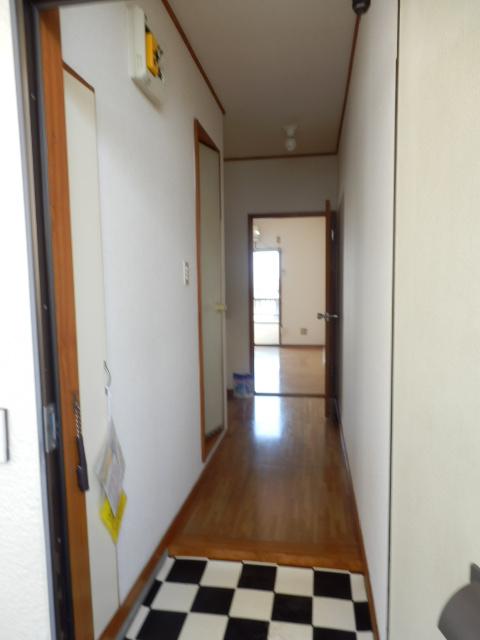 ウィルハイム 202号室の玄関