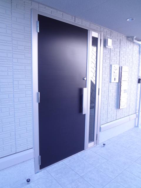 エスポワールD 101号室のエントランス