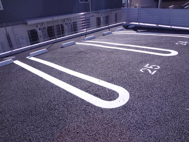 エスポワールD 101号室の駐車場