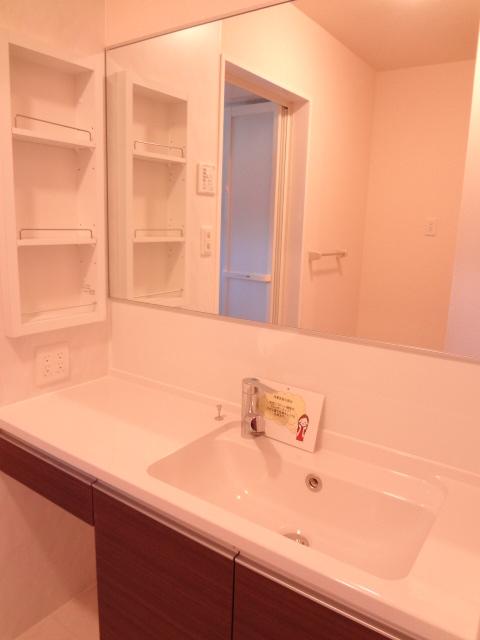 エスポワールD 101号室の洗面所