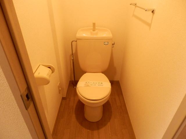 エクレール相原B 203号室のトイレ