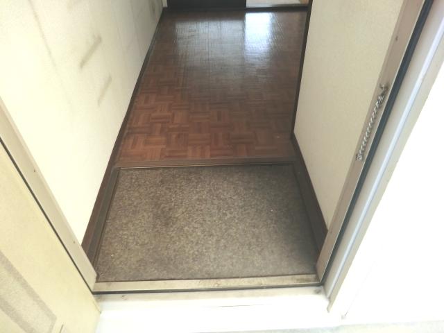 フォーブル吉岡 203号室の玄関