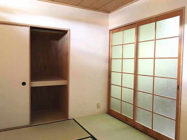 REVER AJISAI 202号室のベッドルーム
