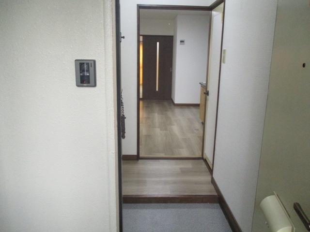 第3カーサ円正 3B号室の玄関