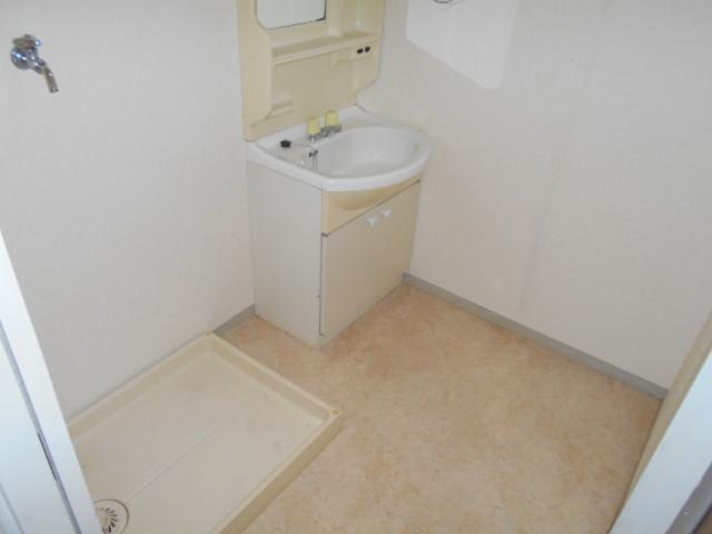 大平コーポラスⅡ 106号室の玄関