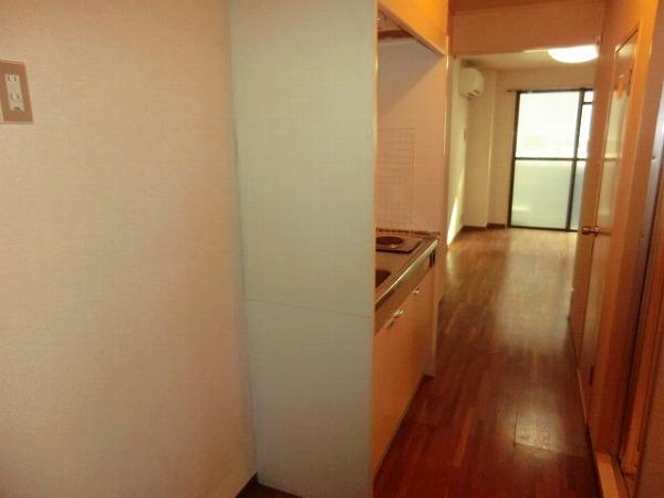 スイート霞苑 3B号室のキッチン