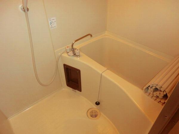 スイート霞苑 3B号室の風呂