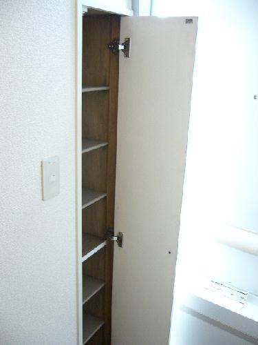 レオパレス丑渡 105号室の収納