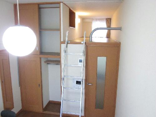 レオパレス小野 302号室のリビング