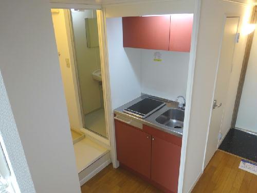 レオパレスWe 105号室のキッチン