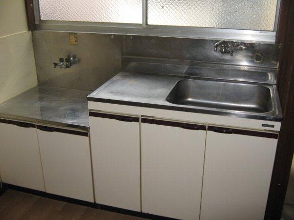 ますみ荘 202号室のキッチン