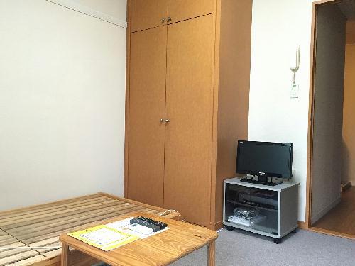 レオパレスヒルズ日野 209号室のリビング