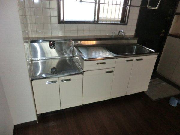 ハイグレージュM 302号室のキッチン