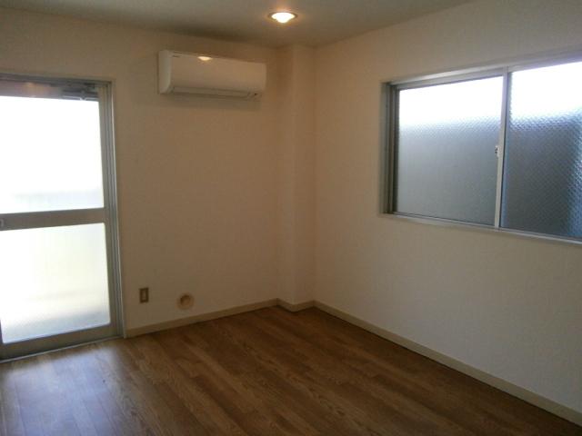 セントラルフラット多摩平 202号室の設備