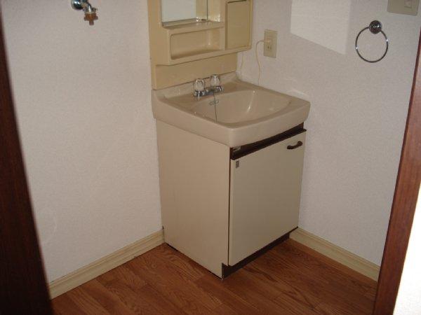 グランドール 102号室の洗面所