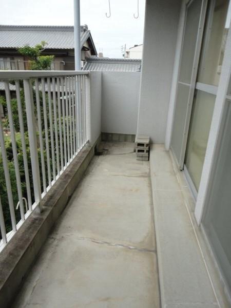 コーポ八田 201号室のバルコニー