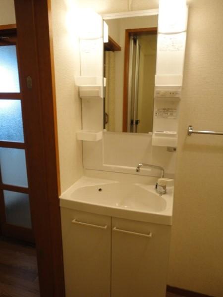 コーポ八田 201号室の洗面所