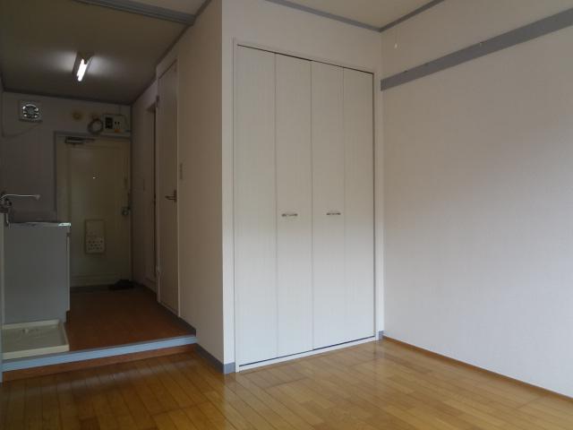オーシャンハイツパート1 108号室のリビング