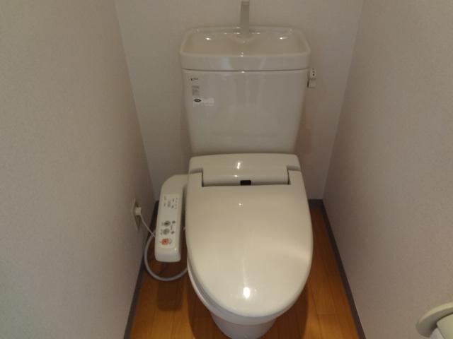 オーシャンハイツパート1 108号室のトイレ