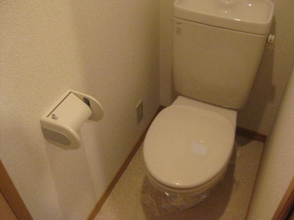 プランドール瓢箪山 105号室のトイレ