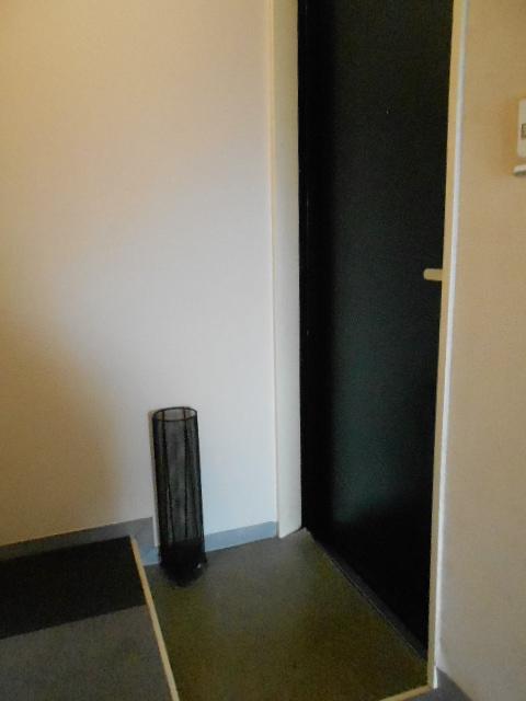 セイシェル 305号室の玄関