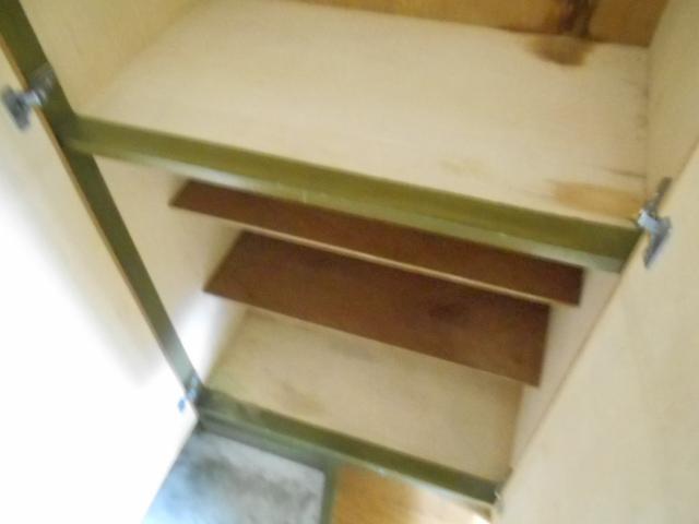 フラット・ニフティー 103号室の収納