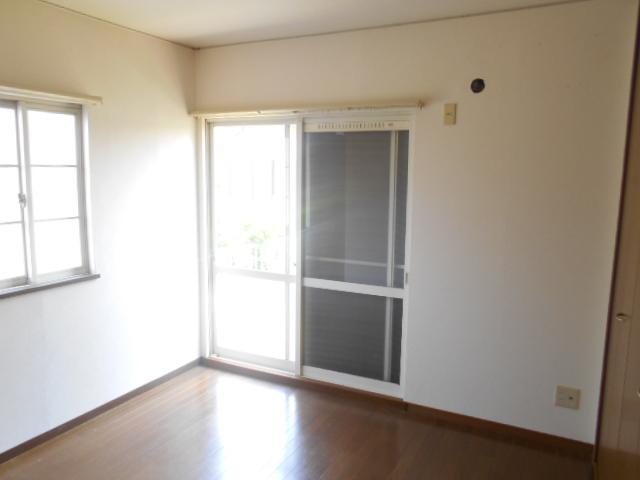 ハイツサングリア 103号室の居室