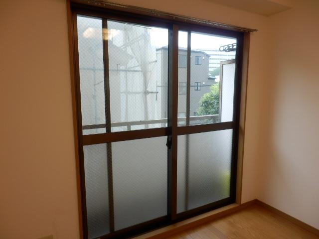 ミユキコーポ 202号室の居室