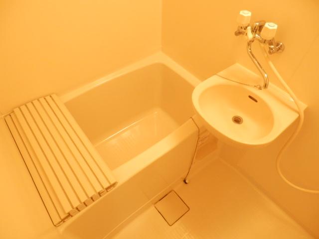 ミユキコーポ 202号室の風呂