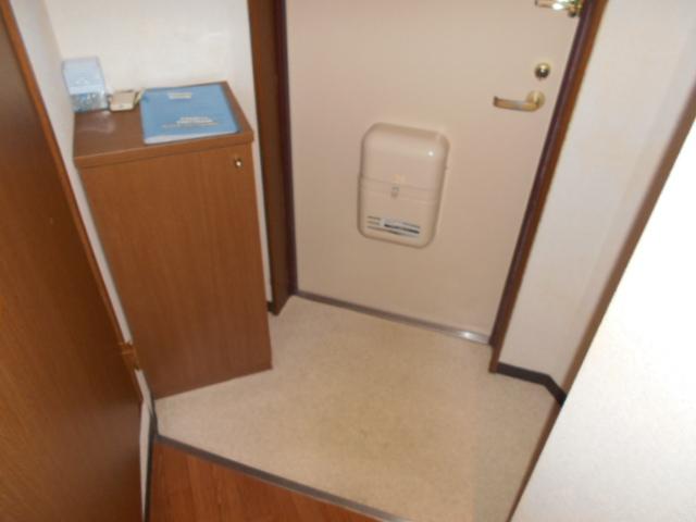 ツインズKⅡ 202号室のエントランス