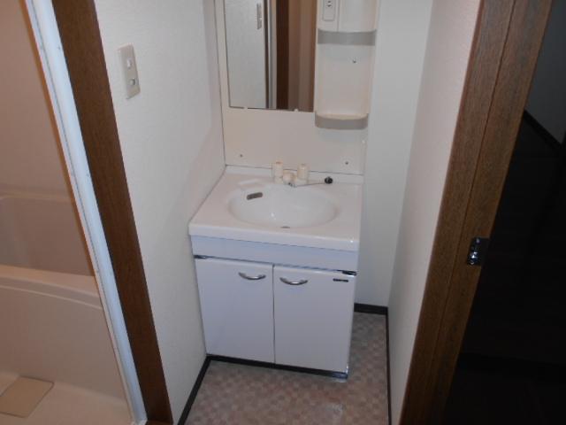 ツインズKⅡ 202号室の洗面所