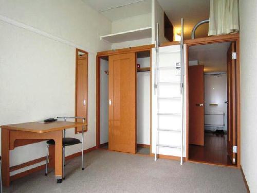 レオパレスフラッツスクエアⅡ 203号室のリビング