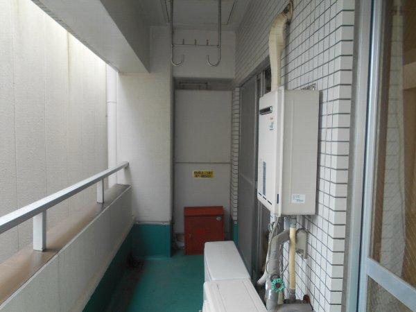 ディマンシュ清水 202号室のバルコニー