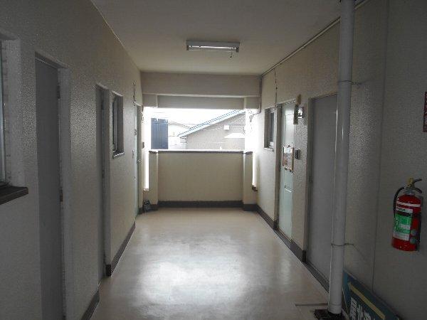 ディマンシュ清水 202号室の玄関