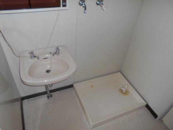 ディマンシュ清水 202号室の洗面所