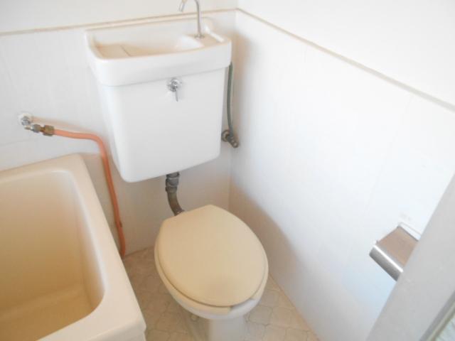 喜久美荘 202号室のトイレ