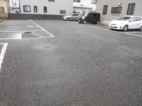 きららハイツ A103号室の駐車場