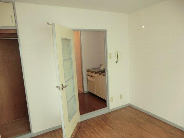 ファインアート上流 205号室の居室