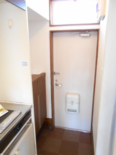 ラフォーレ錦 203号室の玄関