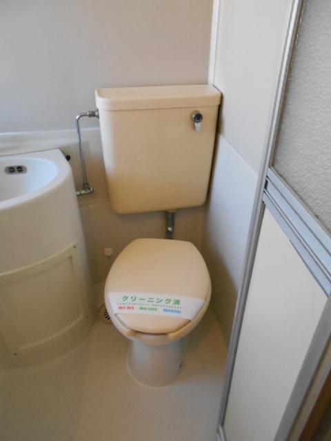ラフォーレ錦 203号室のトイレ