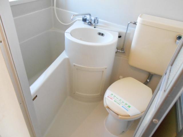 ラフォーレ錦 203号室の風呂