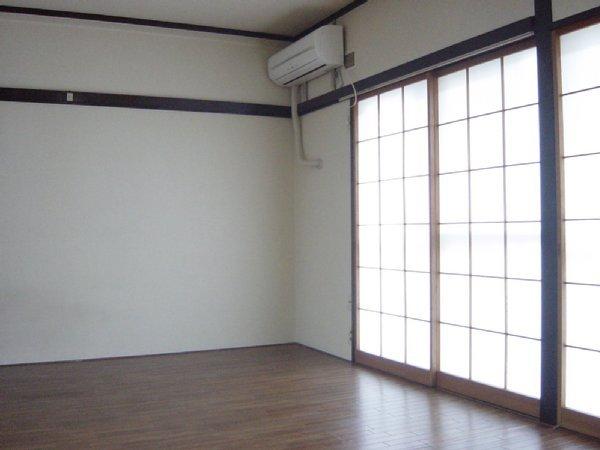 メゾン新川口東棟 102号室の居室