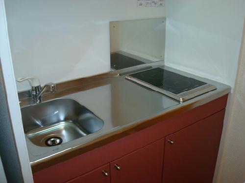 レオパレスウィング5 203号室のキッチン