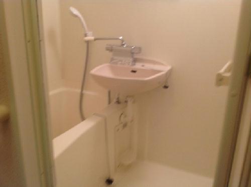 レオパレス多摩平 103号室の風呂