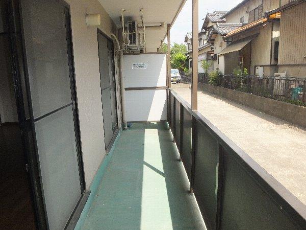 リンピア堀田 303号室のバルコニー